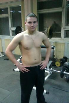 Владимир 23 года,170см,спортивное телосложение,общительный, комуникабельный - IMAG0034.jpg